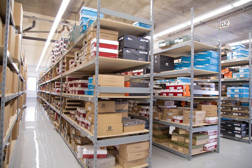 widespan bulk shelving E series wood shelf boltless shelving system shoes inventory
