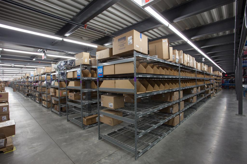 widespan bulk shelving E series wire deck boltless shelving system sporting goods distribution for e commerce
