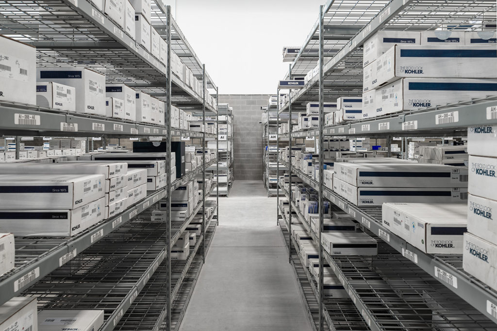 automotive or large box bulk rack shelving with boltless design and wire decking for factory inventory or 3pl